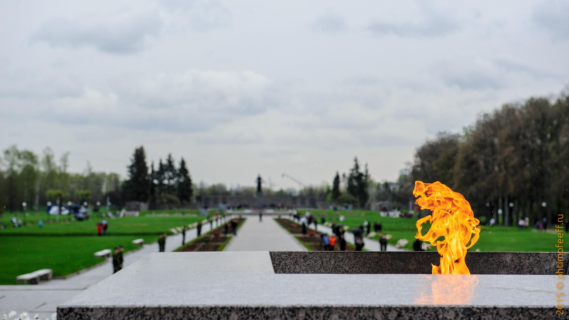 Возложение венков на Пискарёвское Мемориальное Кладбище (8 мая 2015, 70-летие Победы в Великой Отечественной войне)